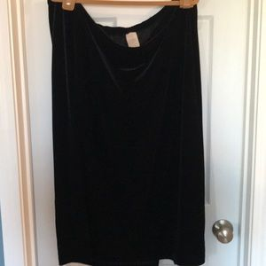 Dresses & Skirts - Black Velvet Maxi Skirt 26/28 petite